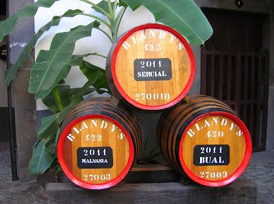 Tipos de vinos de Madeira, Portugal, La vuelta al mundo de Asun y Ricardo, round the world, mundoporlibre.com