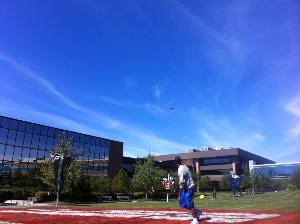 Looks on campus: danielle -