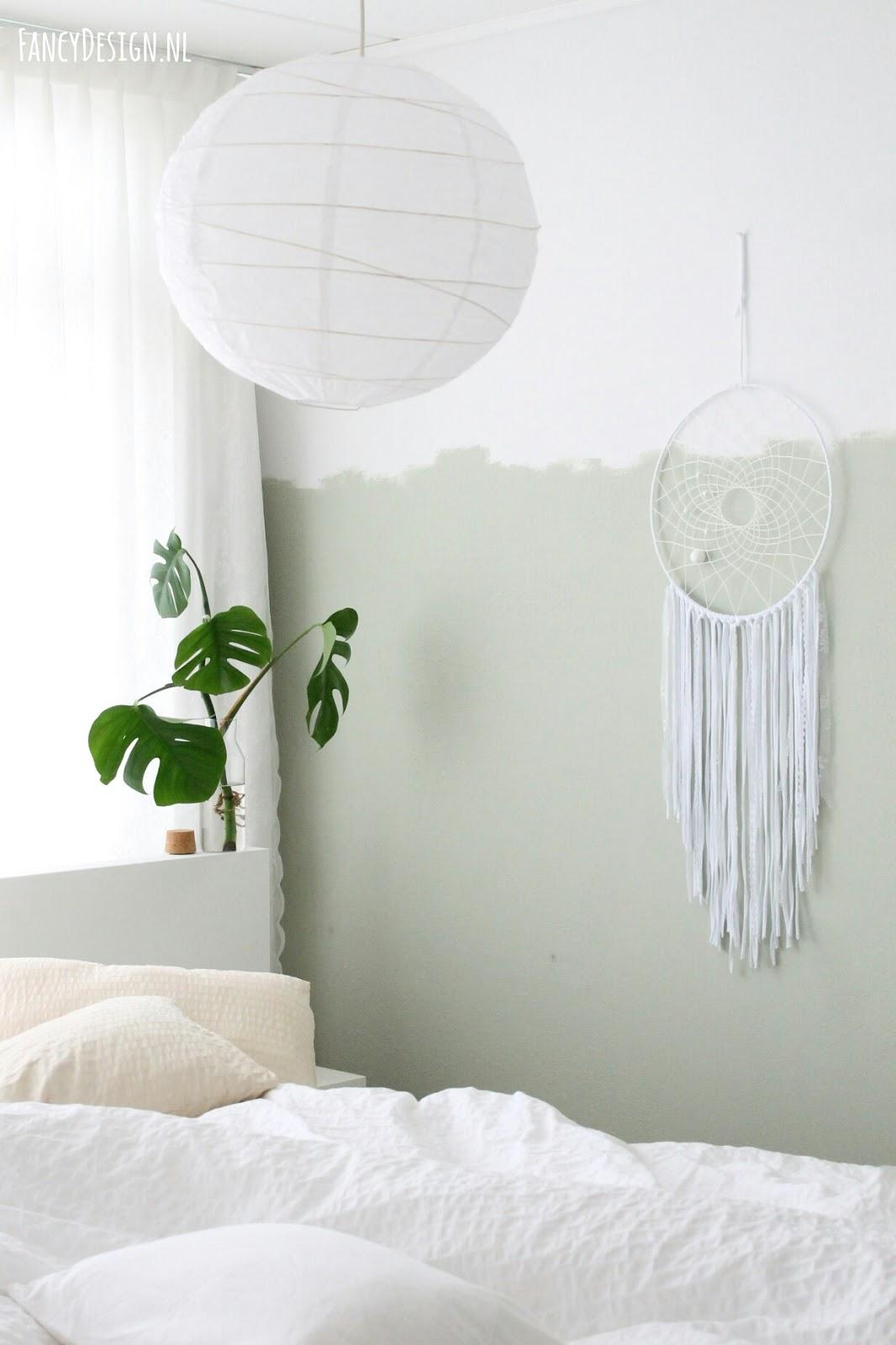 Fancy Design   blog: Vergrijsd groene muur in de slaapkamer