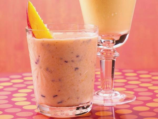 Berry-Mango Smoothie -> Recipe In Article