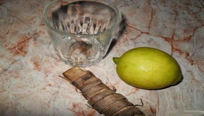 وصفة لا نظير لها لتبييض الأسنان بالسواك و الليمون الحامض في ايام قليلة
