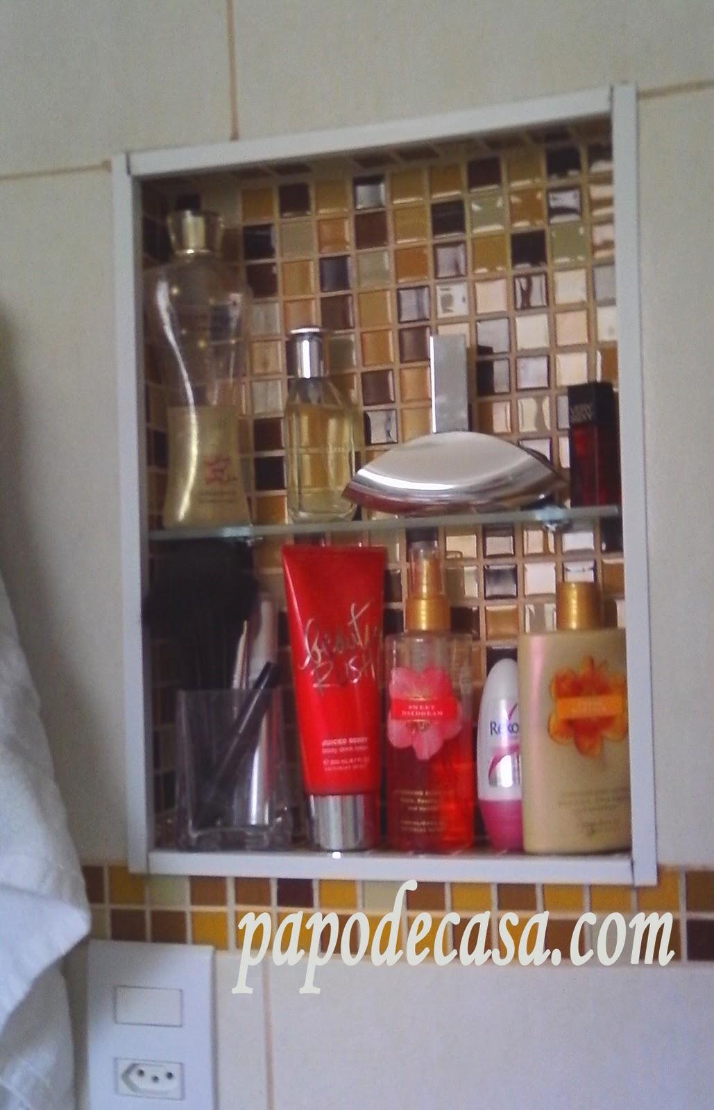 Nichos de pastilha no banheiro Decorações e Artes #AE1D24 1029x1600 Banheiro Com Pastilhas E Nichos