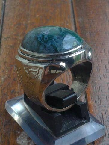 Batu Akik Hijau warna hijau gelap, beberapa pedagang batu menyebutnya ...