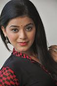 Yamini bhaskar glam pics-thumbnail-9