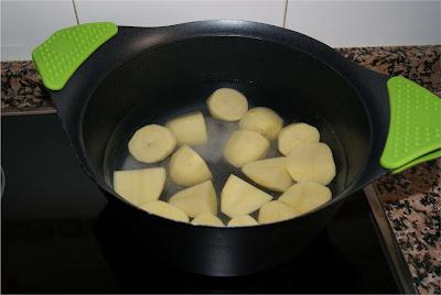 Crema de patatas al pimentón paso 1