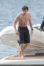 Stars Play Liam Payne - Shirtless Pics