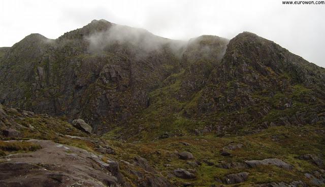 Montañas del Conor Pass de Irlanda