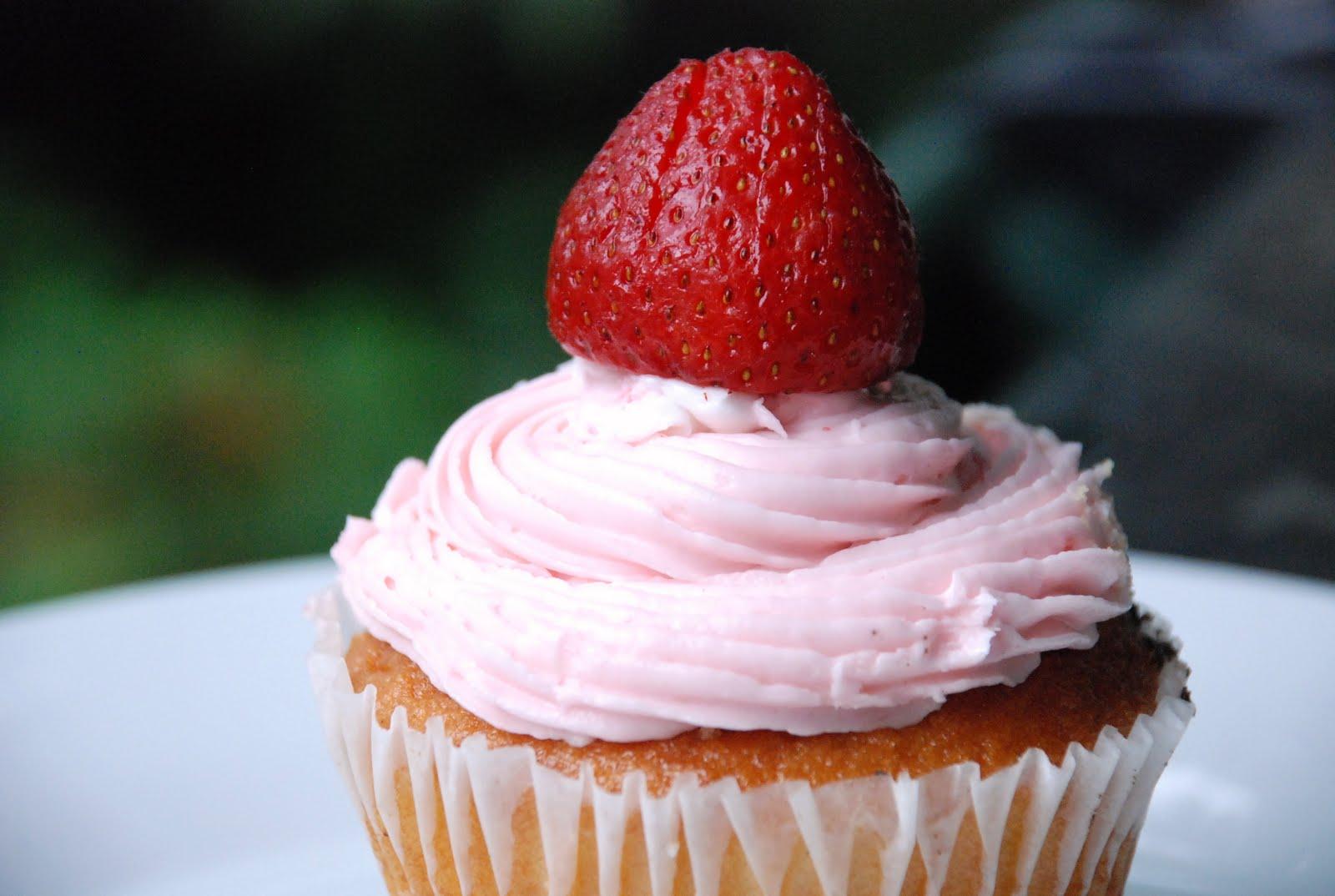 Cupcakes And Crablegs Strawberry Margarita Cupcakes