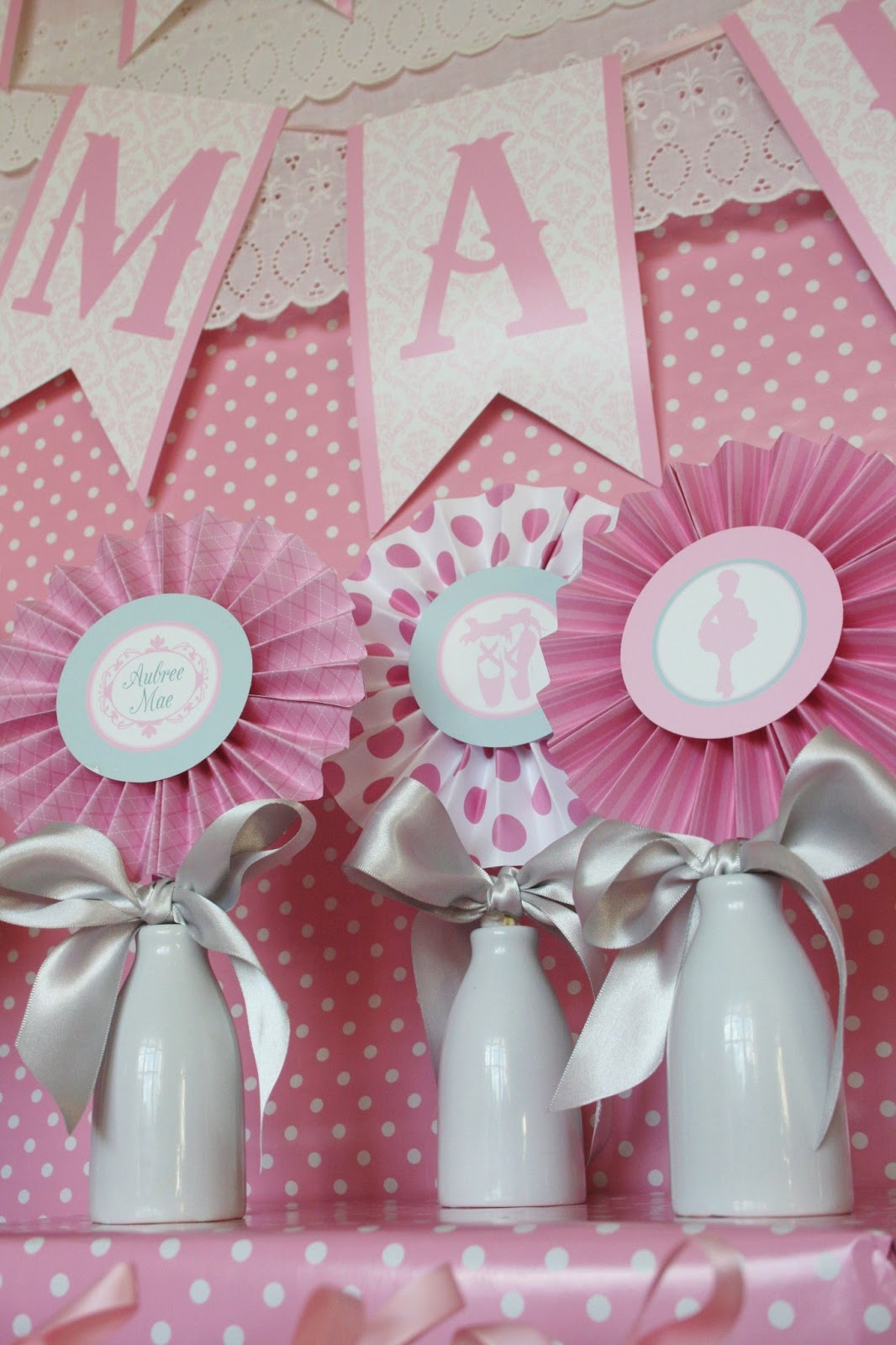 Little big company the blog ballerina baby shower for Baby shower decoration ideas blog