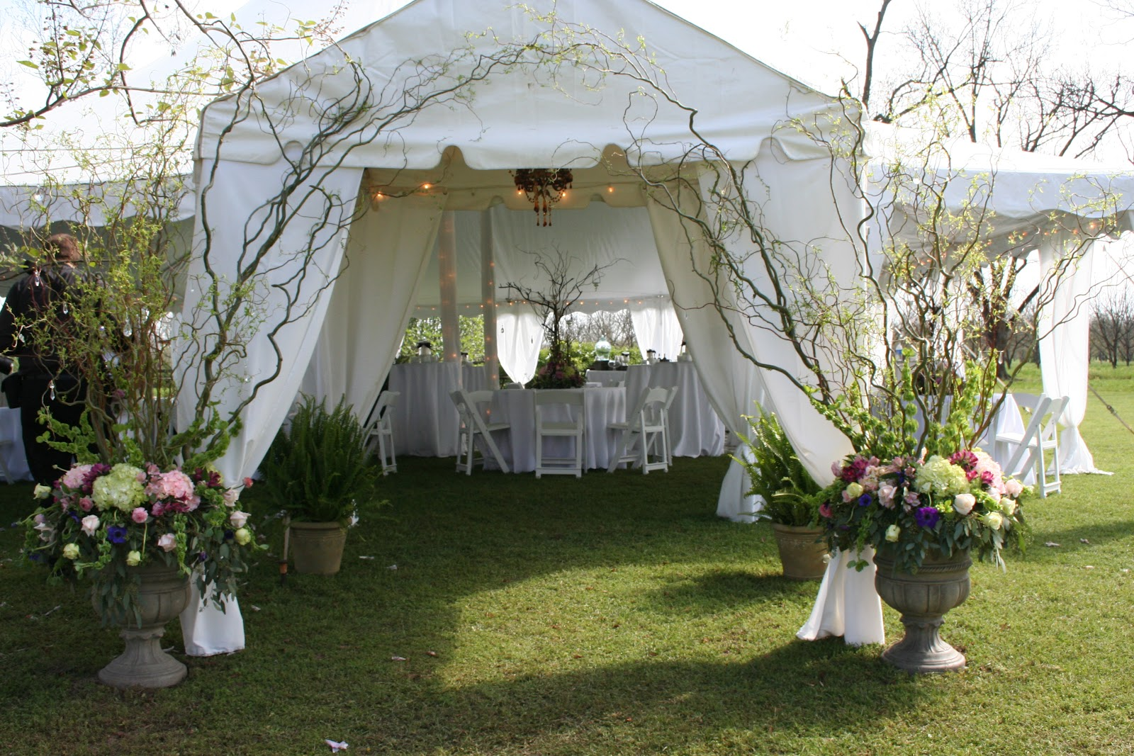 Outdoor Wedding Lights Tent The Prettiest Outdoor Wedding Tents We