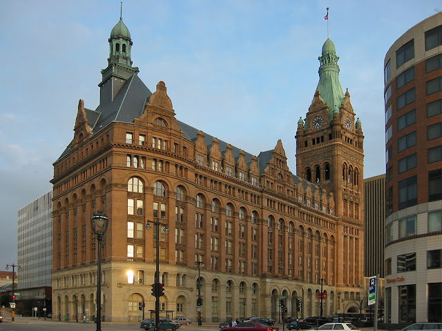 New picture of the Milwaukee City Hall