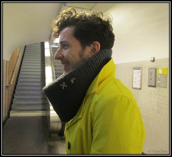 Col écharpe laine COS, étoiles ecossaises armée, trench jaune Zara Homme