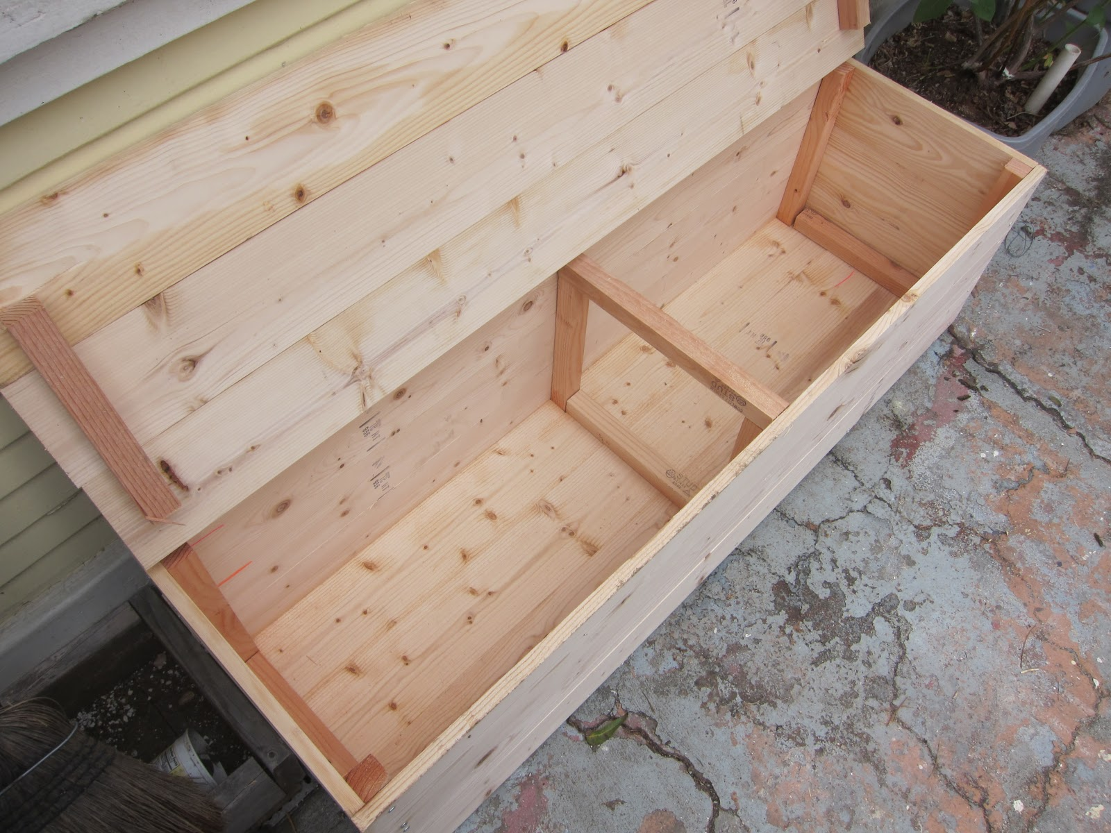 Best woodworking plans and guide wood worm bin plans for Woodworking guide