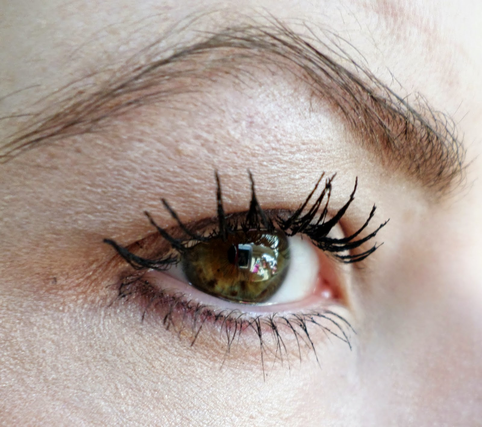 Lancome Hypnose Volume Mascara in Noir Eyelash Close Up