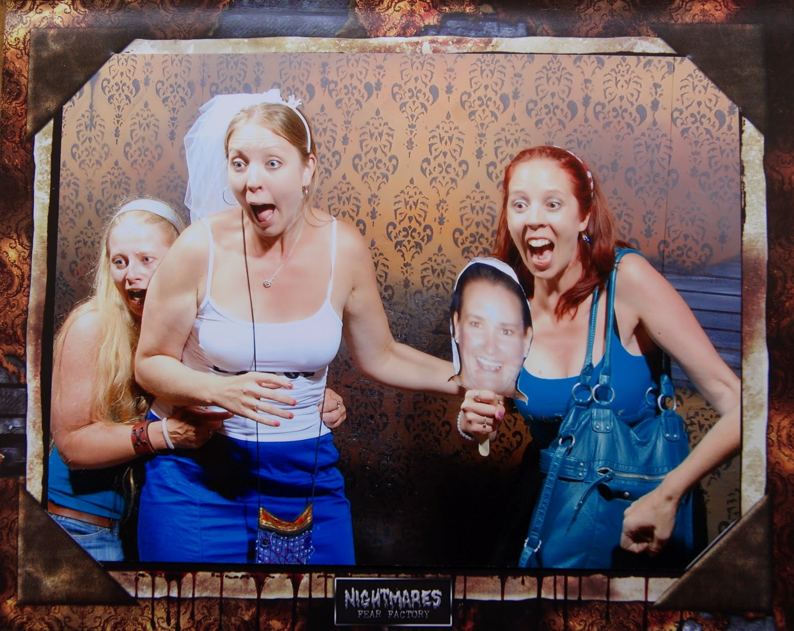 Explore, Niagara Falls, Ontario, Canada, Bachorlette Party, Schedule, Docket, Ideas, Attractions, Melanie.Ps, The Purple Scarf, Tourist, Nightmares Fear Factory, Souvenir Photo