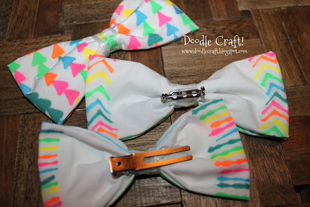 Diy+dye+dyed+fabric+watercolor+water+color+white+and+neon+sharpies+into+hair+bows+trendy+tween+teen+crafts+projects+simple+tutorial+hot+glue+no+sewing+sew+(9)