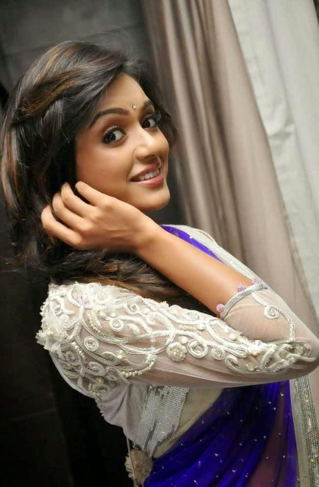 Actress Vithika Seru In Quarter Sleeves Blouse
