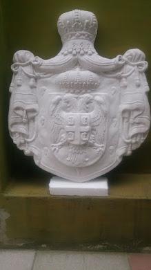 GRB SRBIJE ,vel: 52 cm(visina) x 45 cm (širina)i debljina oko 6cm,od postojanog materijala(otporan