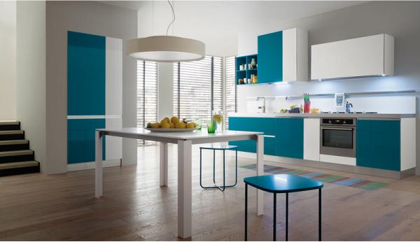 Riflessi di luce in cucina blog di arredamento e interni for Riflessi arredamento