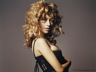 Latest Christina Maria Aguilera Wallpapers Download - Christina Maria Aguilera 2013 Wallpapers Free Download