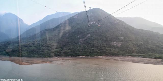 Isla Lantau vista desde el teleférico