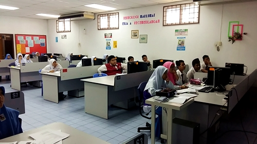 Ceramah Sains PT3 di SMK Tajar oleh Cikgu Hailmi