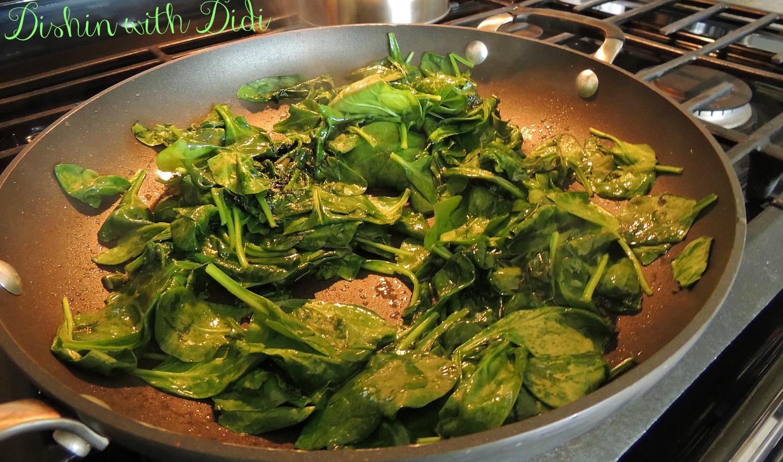 Dishin with Didi: Spanakorizo (Greek Spinach Rice)