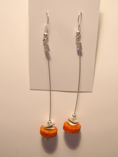 biżuteria z półfabrykatów - bardzo długi howlit (kolczyki)
