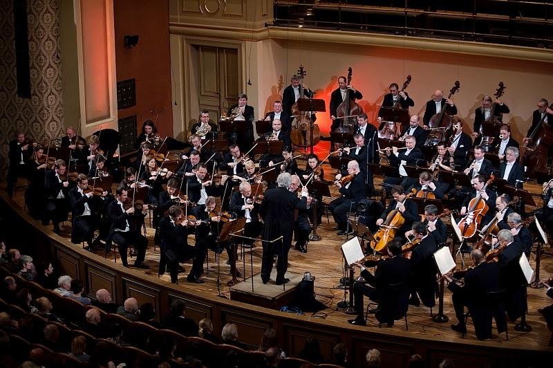 Czech Philharmonic © Martin Kabát