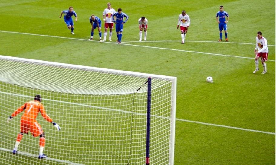 FIFA bakal Perkenalkan Aturan Penalti yang Baru