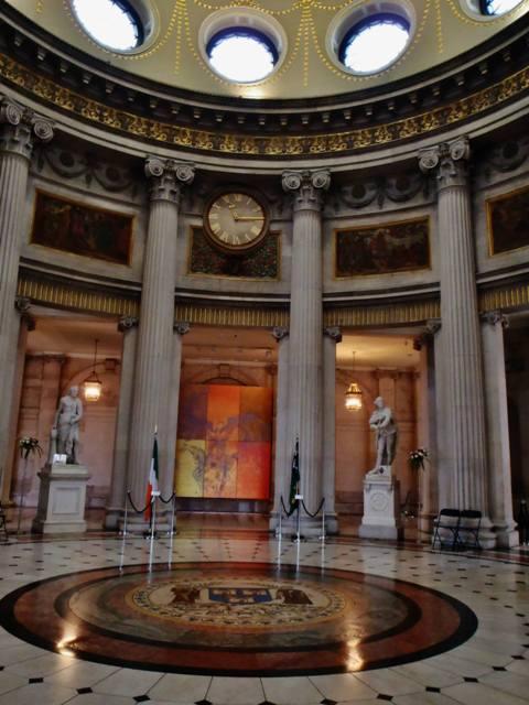 Sala principal del Ayuntamiento de Dublín