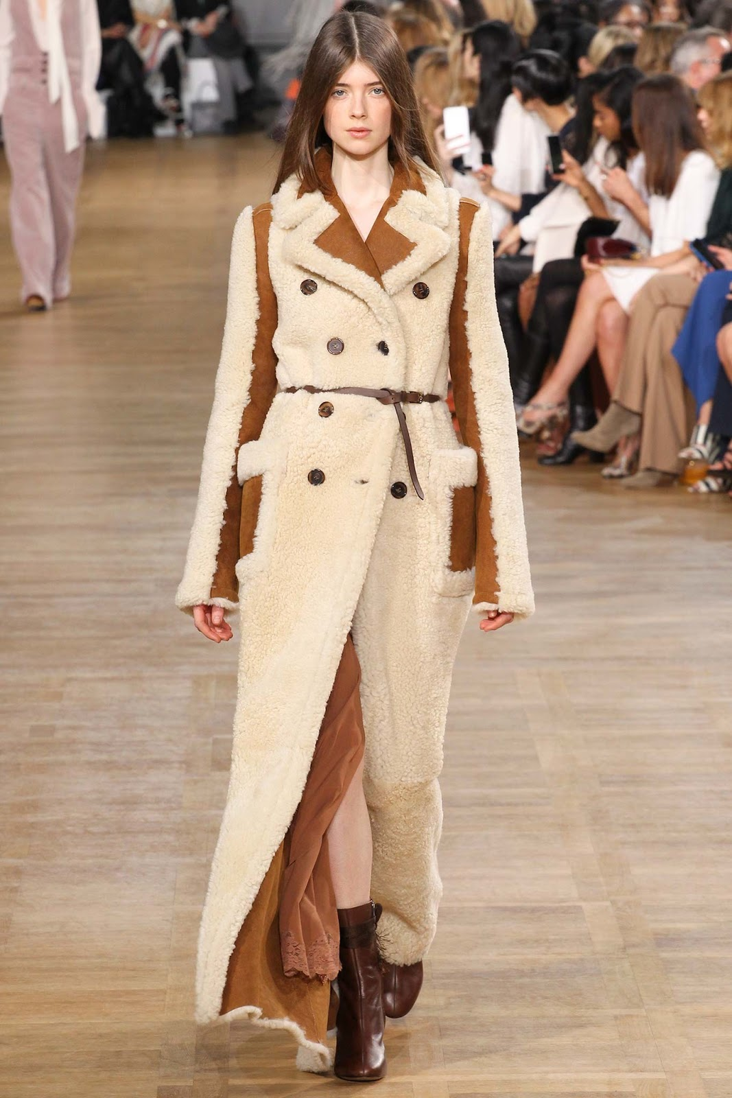 Trench coats as seen on a runway at Chloe Autumn/Winter 2015 via www.fashionedbylove.co.uk
