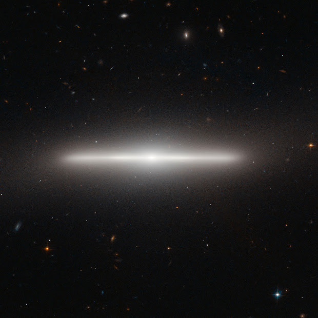 Hubble pictures NGC 4452, an astonishing Lenticular Galaxy