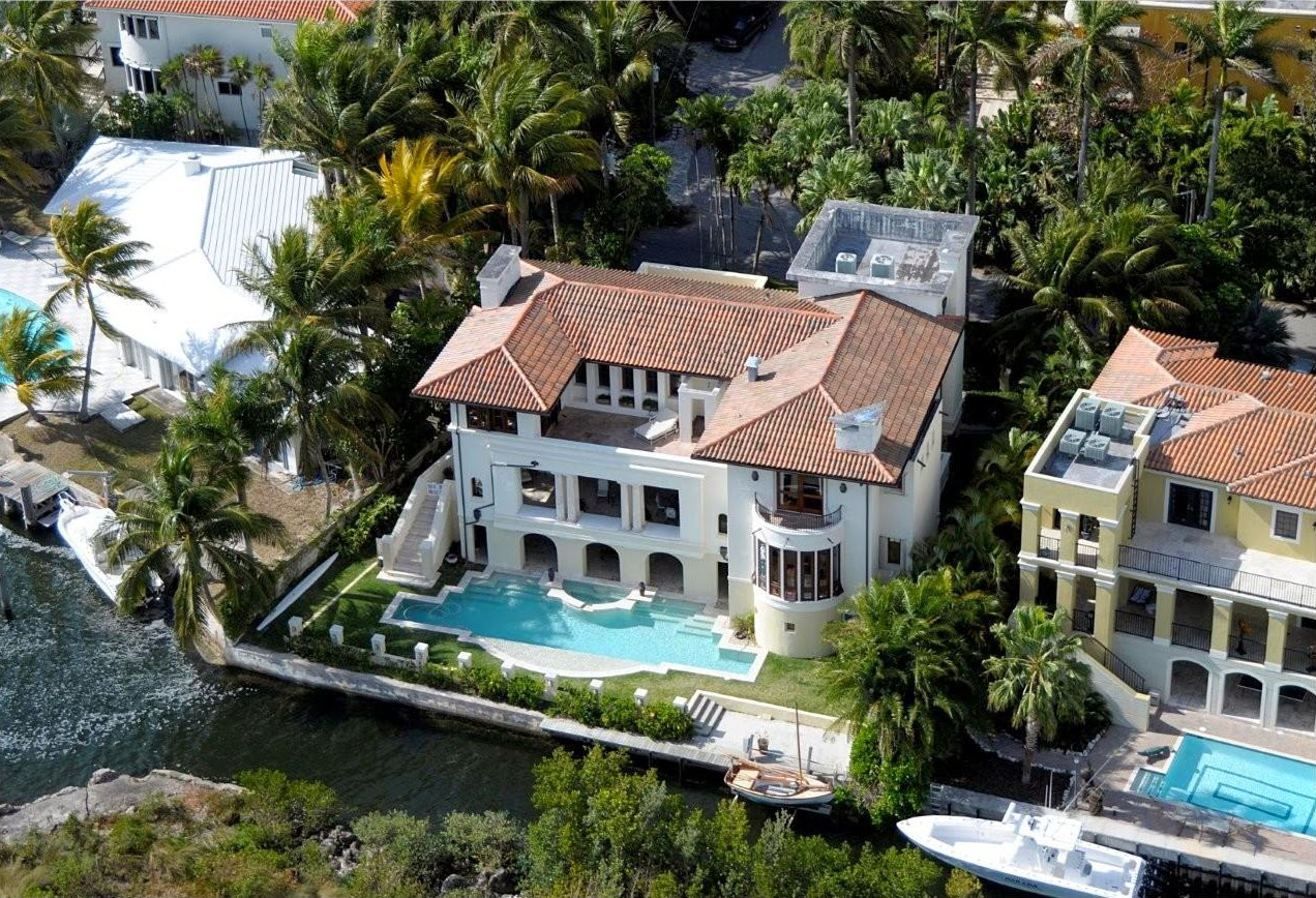 Pin up murders luxurious miami for Expensive homes in florida