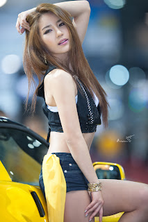 asian girls,Asian MMA,OneFC,Park Si Hyun,Ring Girls,Why is Bob Sapp still fighting,Model