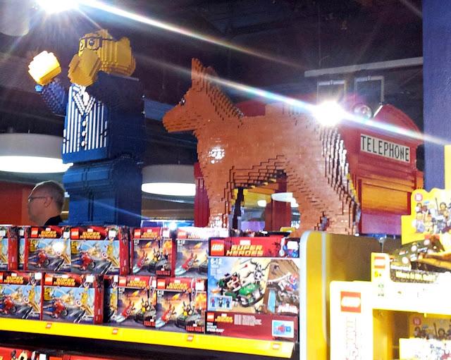 Hamleys, London, Toys, lego soldier, lego, soldier