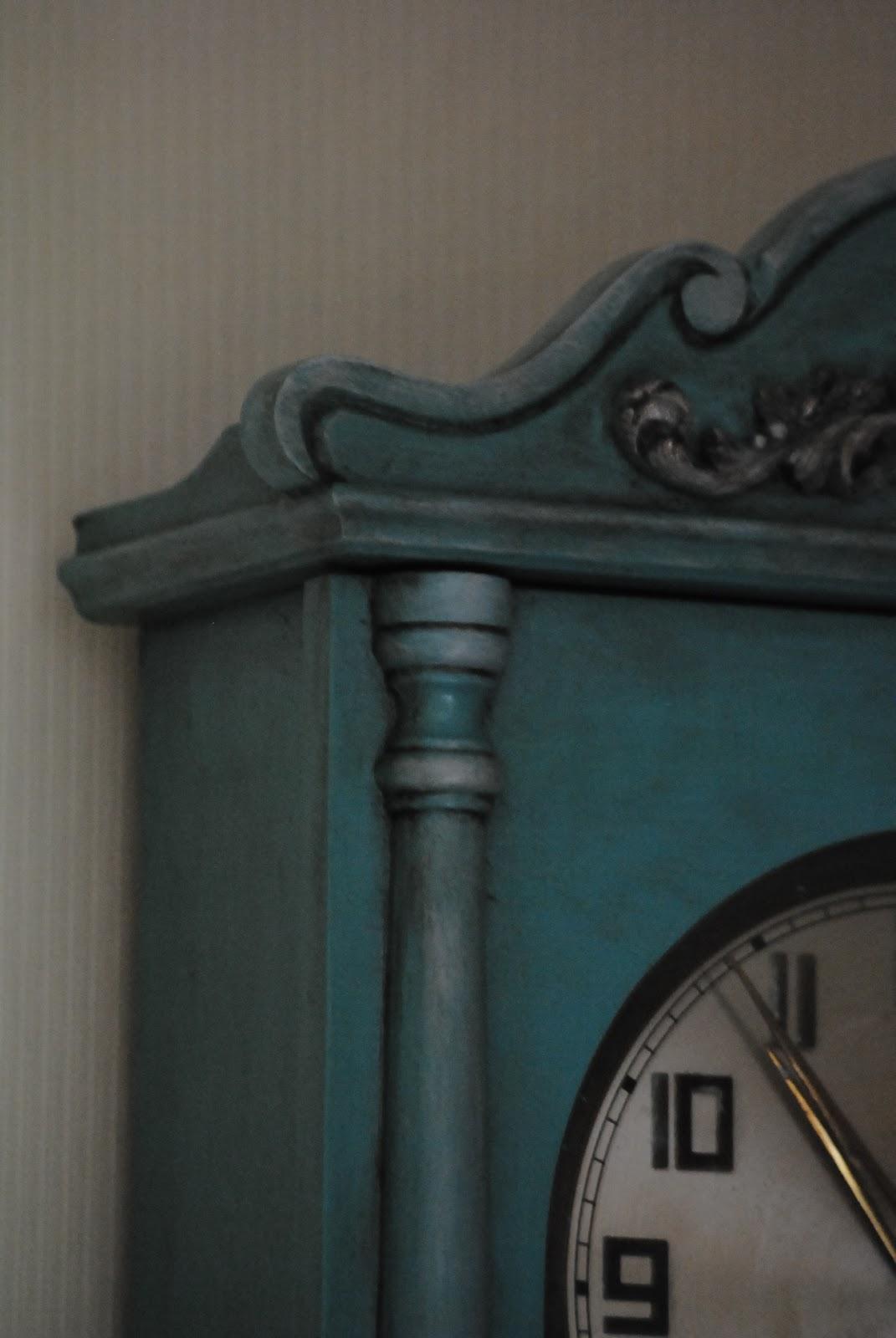 Reloj de pared pintado. | DECORANDO ONLINE
