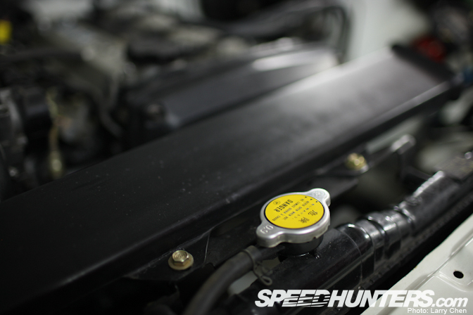 toyota7 Toyota AE86 Berusia 25 Tahun Yang Masih Di Dalam Plastik
