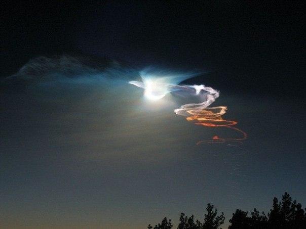 kisah benar, fenomena pelik, cahaya cantik, di russia, gambar, gempar, lingkaran cahaya misteri