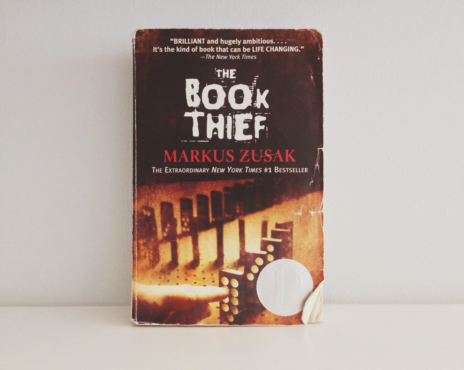 a personal review of the book thief by markus zusak Markus zusak's international bestseller the book thief has been brought to the screen with quiet effectiveness and scrupulous taste by director brian percival and writer michael petroni.