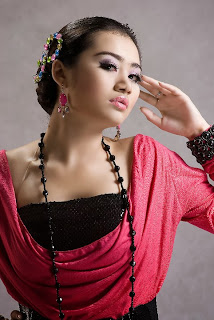 Model Thiri Shin Thant