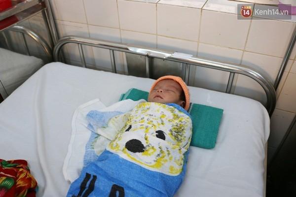 Gia Lai: Bé mới sinh bị ném xuống giếng sâu được cứu sống kỳ diệu