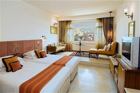 Looking for best five star hotel in agra taj mahal agra for Agra fine indian cuisine