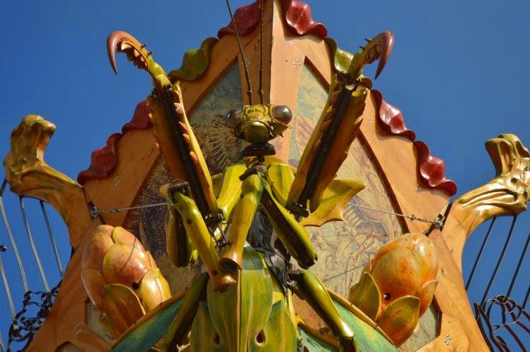 manège carré sénart, plzen, mammoth, insect, carousel