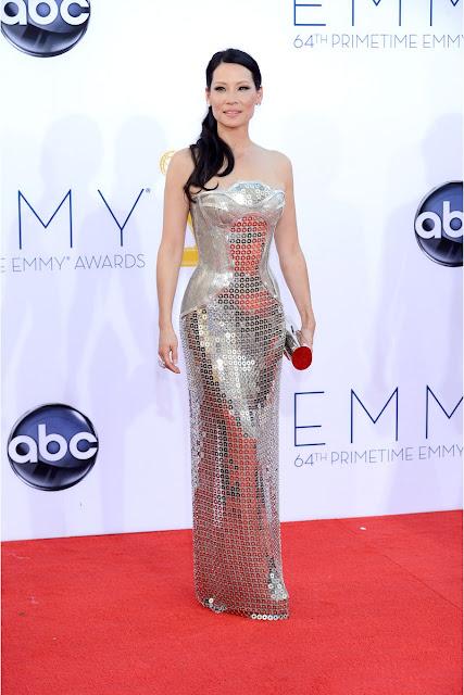 Lucy Liu vestido Versace Emmy 2012