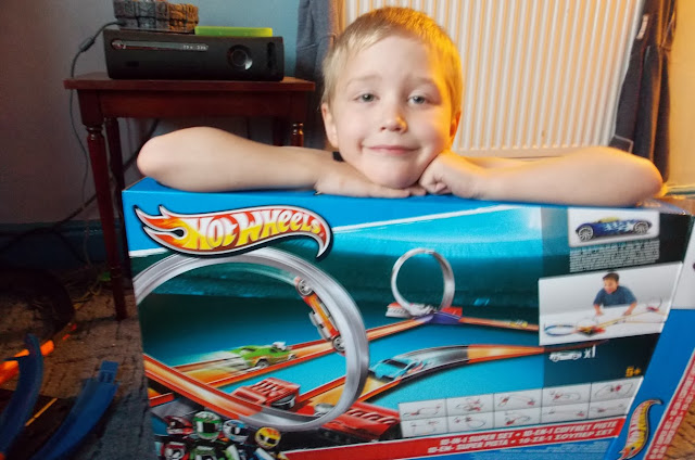 hot wheels super 10 in 1 set with motorised boosts