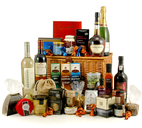 Royal food and wine hamper