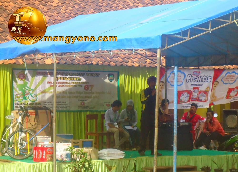 FOTO : Sambutan dari Pak Andi di acara PEMAHAT dan menyambut hari jadi Subang ke - 67 di Dusun Gardu