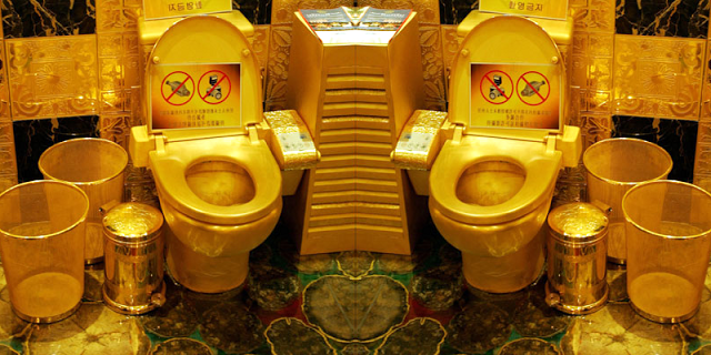 FULL OF SH*T !! World Most Expensive Toilet Made Of Gold Cost $10 Million [PHOTO]