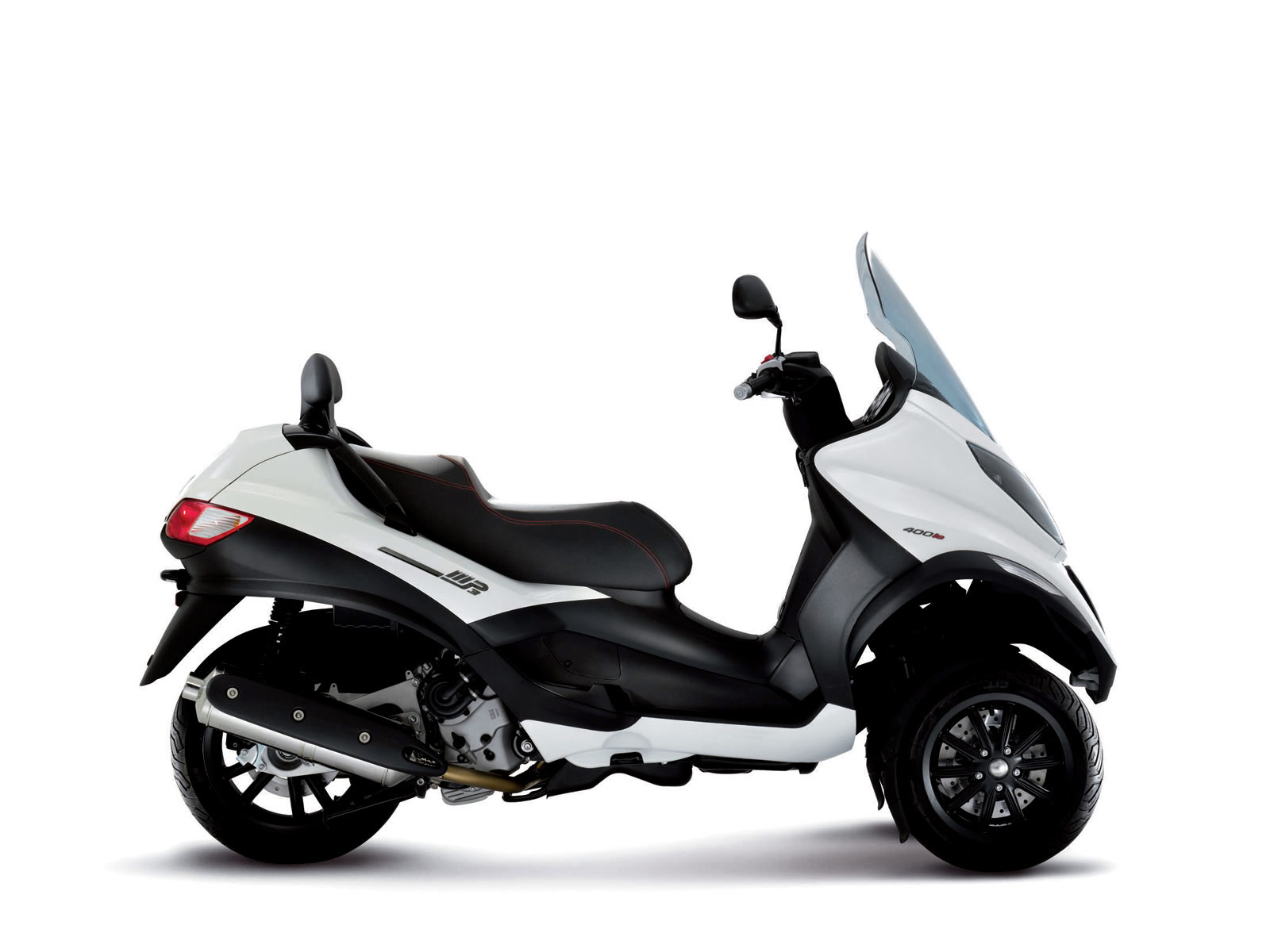 2011 piaggio mp3 400ie sport scooter pictures for Motor scooter 3 wheels